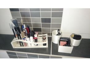 Make-Up Assortment Bridge / Boxes / Cups