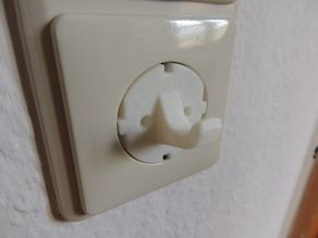 Schuko power plug / connector hook