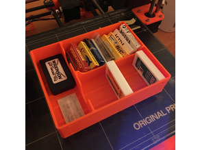 Dual Edge (DE) Razor Blade Storage Box
