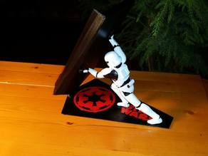 Star Wars Stormtrooper Universal/Intergalactic Cellphone Charging Stand