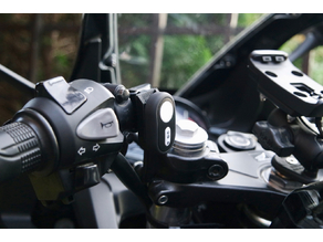 Xiaomi Yi remote (CBR300R) handlebar mount