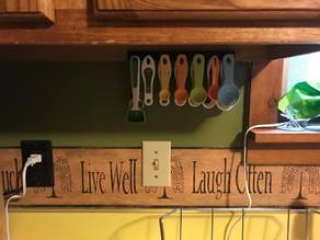 measuring spoon/cup rack