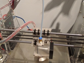 Compact extruder carriage