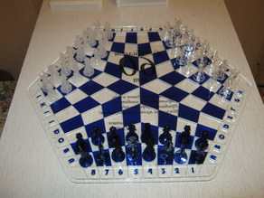 Three-player chess from Acryl