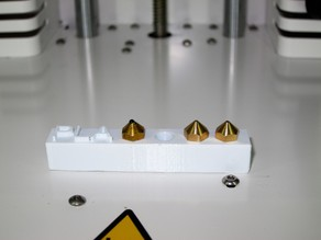 Ultimaker 2+ nozzle plate