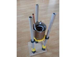 Adjustable alembic still stand for steam distillation