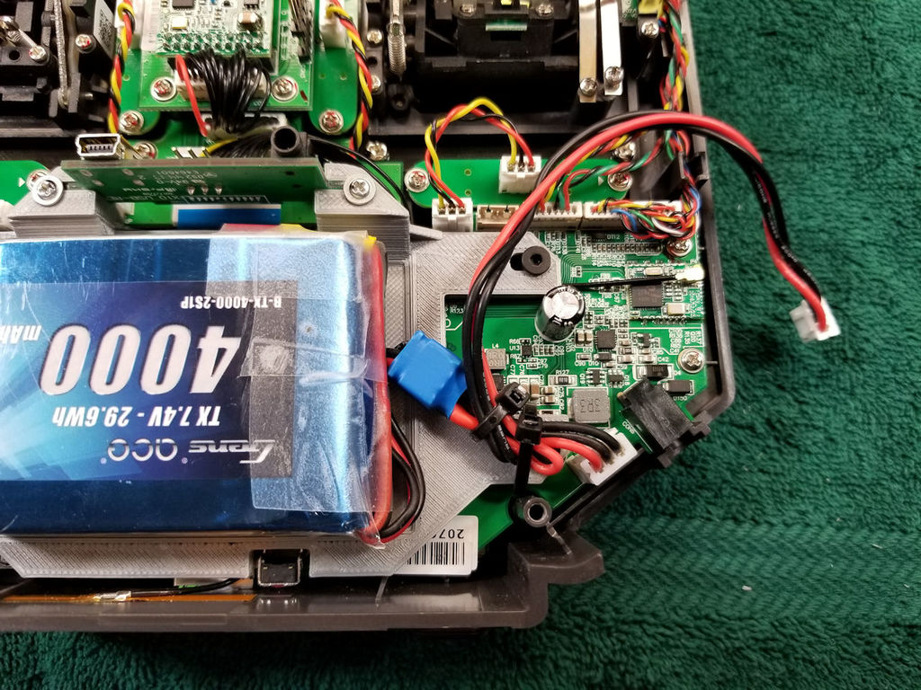 FrSky Horus X10 LiPo Mod by T3chDad - Thingiverse