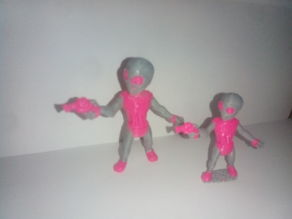 Graylien Abductor in pink armor