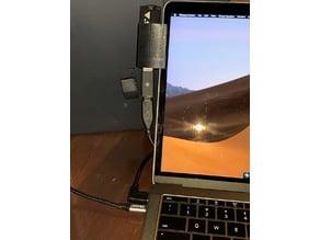 MacbookPro 2016 USB Key clip Screen