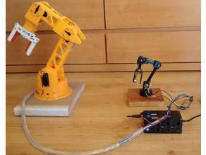 Robotic Arm with 5 degree of freedom printed in 3D