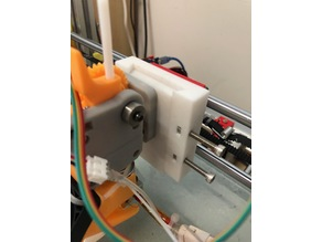 Quick release extruder