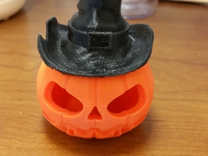 Makies pumpkin with Witch's hat.