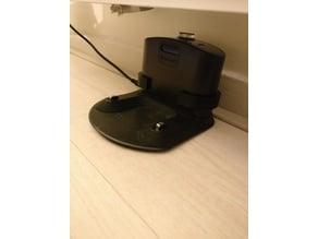 Roomba base station mount