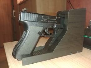 Universal handgun holder
