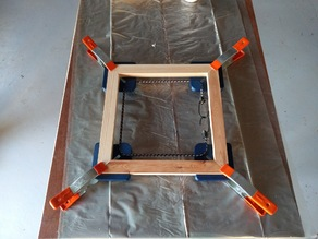 Frame glue corner
