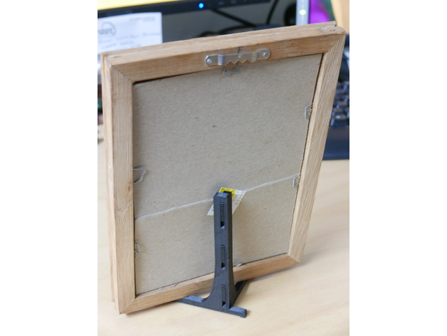 Desktop Picture Frame Easel 4x5 And 5x7 By Shutterspeed Thingiverse