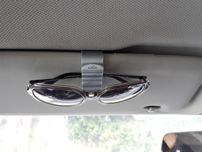 """CLIPY"" SUNGLASSES CAR HOLDER"