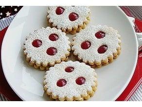 """Cookie Cutter """"Linzer Augen"""" Linzer Sweets"""