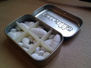 Pill box insert for Altoids tins