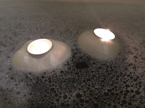Cloud shaped bathtime candle holder