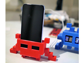 Desktop Invader #2 // iPhone 6 stand