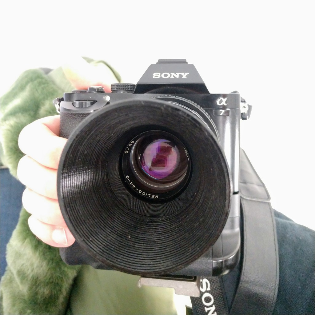 Helios 44-2 Lens Hood with Cap by nikolaus714 - Thingiverse