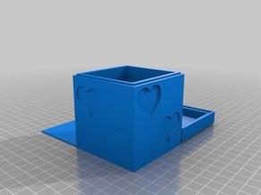 Box with secret room