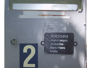 Name plate for mailbox