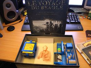 Robinson Crusoe : Voyage of the Beagle game organizer