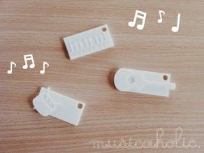 musicaholic keychain x nametag