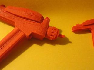 Phaser (TOS Type II) in two pieces for printing