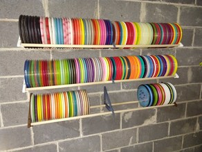 Disc golf wall mount disc shelf for 3/4 rods