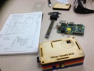 Raspberry Pi Pibow case mod for camera