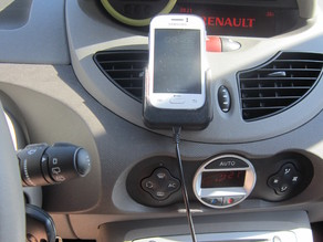 galaxy y dock (wall mount and renault twingo 2 vent mount)
