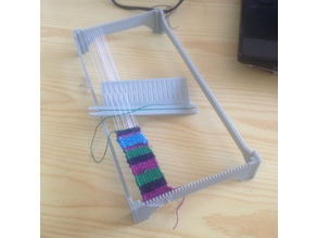 Simple weaving loom