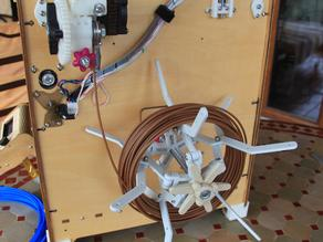 The spider spool (collapsible parametric filament reel holder)