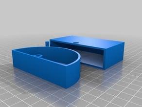 Rotating Plectrum Box