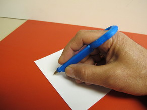 Bolígrafo con anillo /Adapted ring pen holder