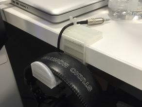 Desk headphone holder w/ integrated cable holder