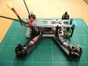 Antenna mount for quadcopters