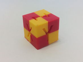 XYZ_Dual_color_cube