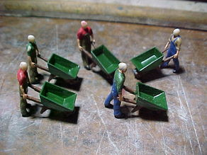 SCALEPRINT WHEELBARROW AND WHEELBARROW MAN 00 HO SCALE