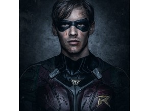 "Robin cape clips from ""Titans"""