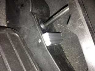 Anti-Kickdown Spacer for BMW vehicles