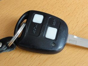 Key fob buttons for Toyota Yaris