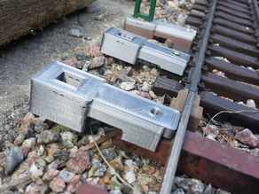 Holder for Catenary mast suited LGB sleepers