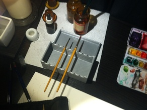 Paint Brush Holder with water tank