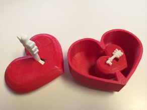 Locking Heart Shaped Box with Arrow Key