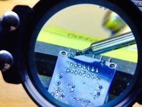 Matrix soldering magnifier