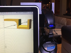 Earphone holder for 2009 iMac